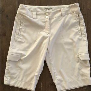 Ladies Nike Golf Dry Fit Shorts 8 NWOT. NICE